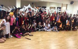 Baile Moderno celebró Halloween