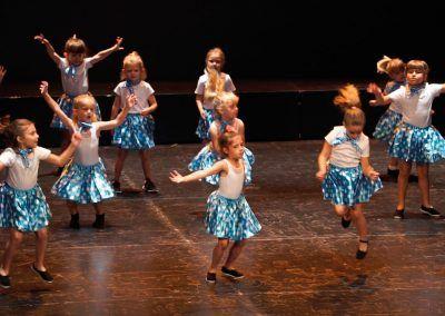 05 Escuela de Baile Moderno C.A. Montemar