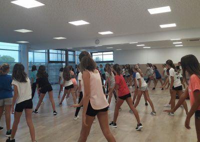 10 Escuela de Baile Moderno C.A. Montemar
